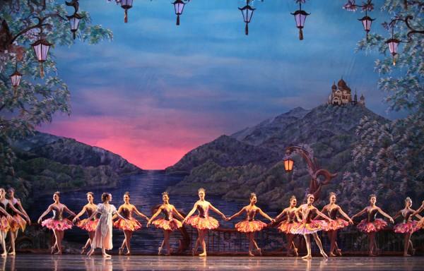 Atlanta Ballet's Nutcracker. Photo by Charlie McCullers Courtesy of Atlanta Ballet