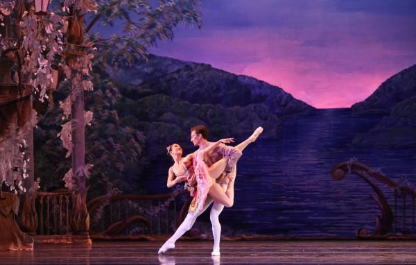 Dancers Christian Clark and Rachel Van Buskirk in Atlanta Ballet's Nutcracker. Photo by Charlie McCullers, Courtesy of Atlanta Ballet (2)