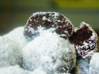 Brownie cookies with powdered sugar